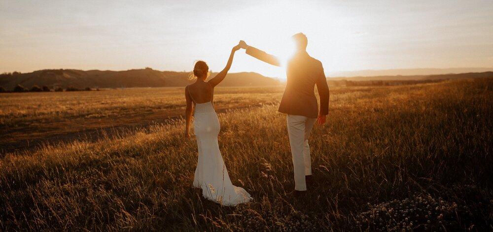 NZ 10 Top Wedding Photographers To Watch wedding photos frame